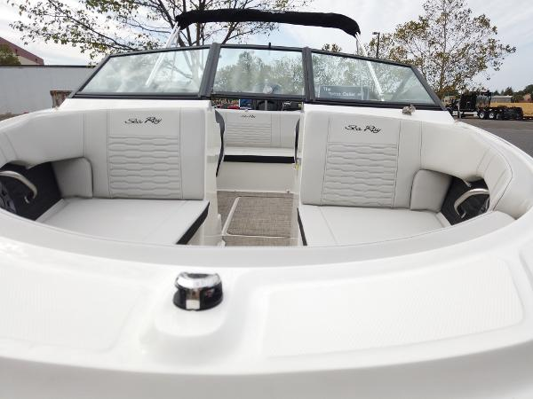2021 Sea Ray boat for sale, model of the boat is SPX 190 OB & Image # 8 of 9