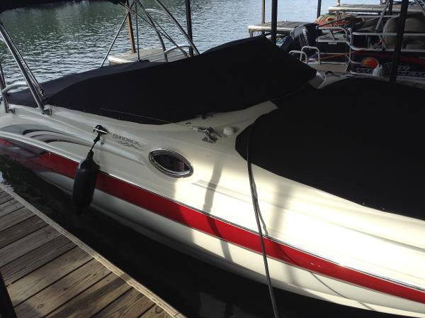 2004 SEA RAY 240 SUNDECK for sale