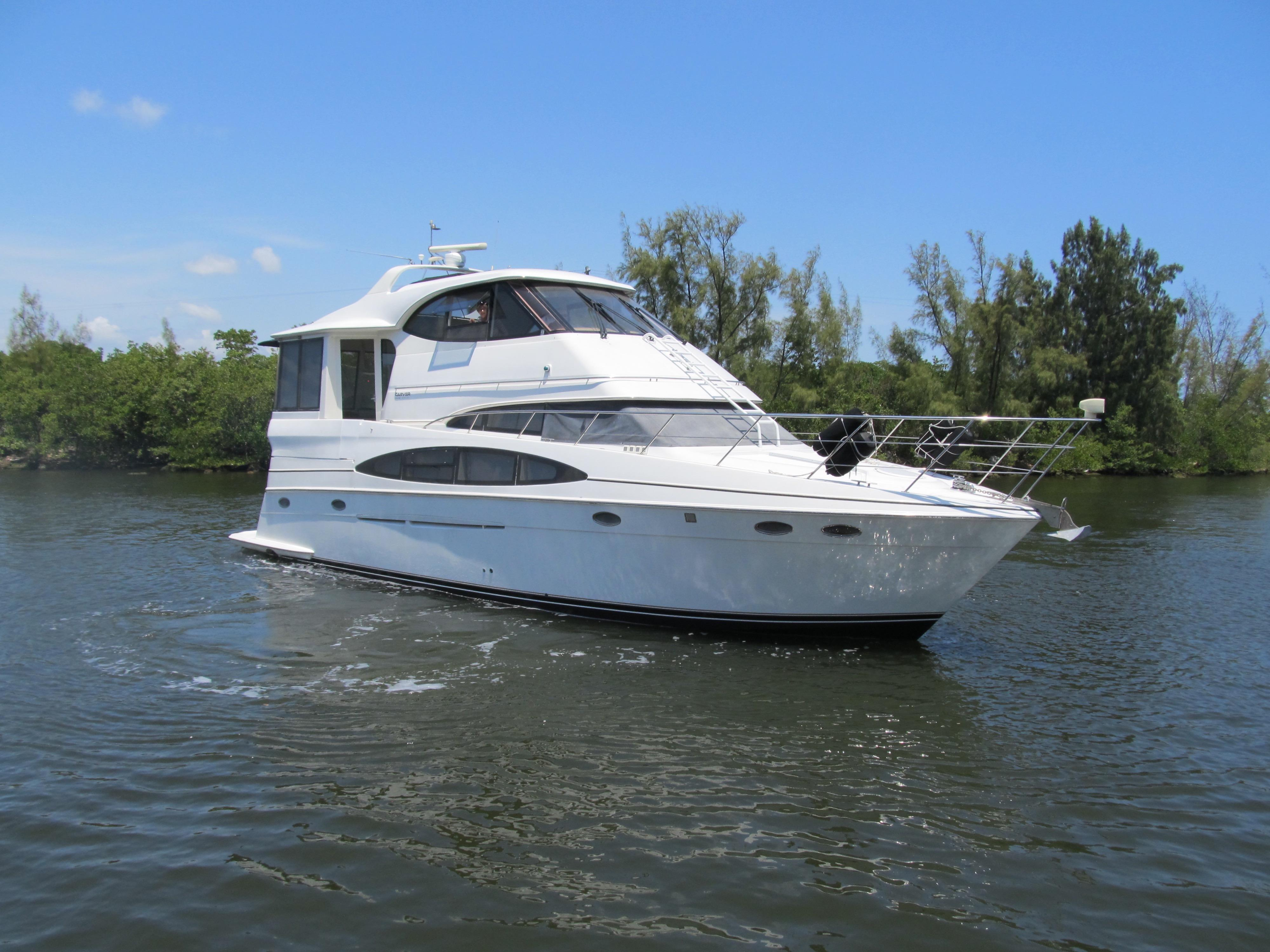 2001 carver motor yacht for sale for Large motor yachts for sale