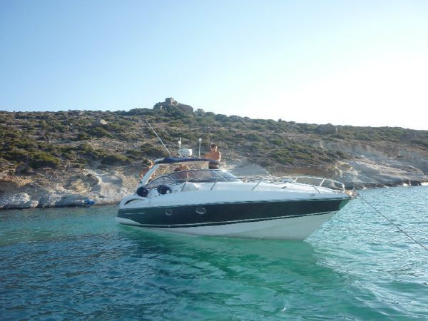 Sunseeker Superhawk 34. Length: 10.36 meter. Model Year: 2002