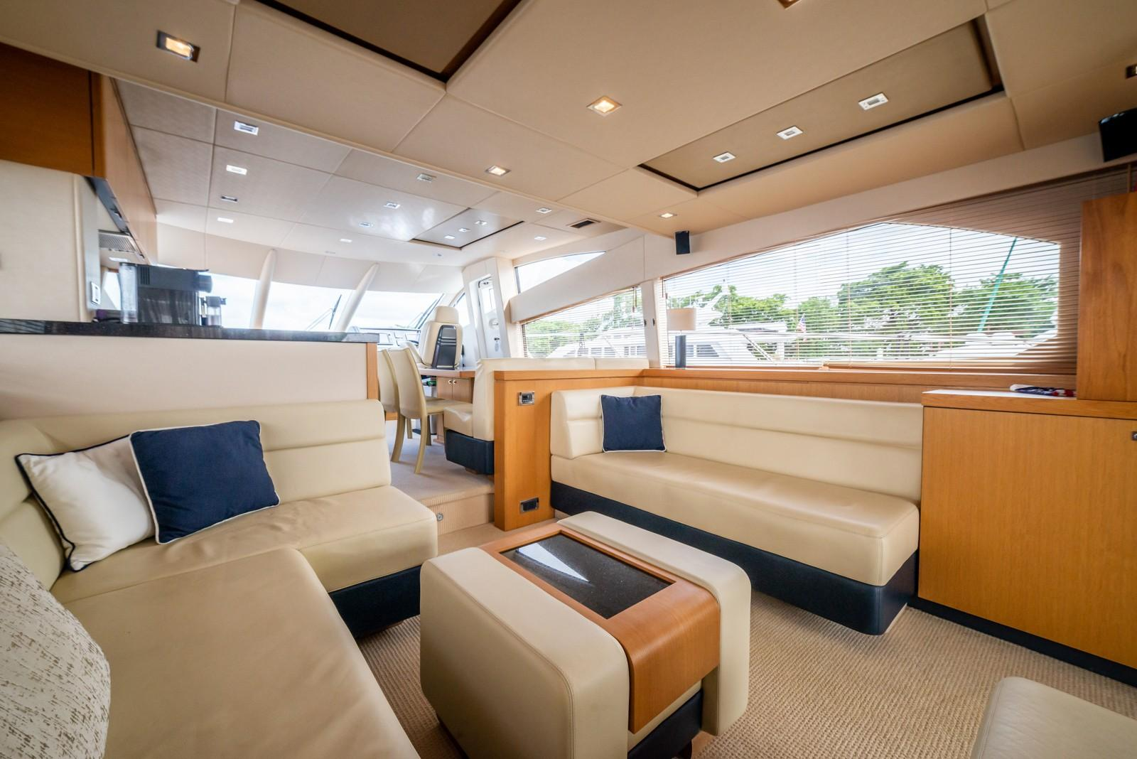 Liquid Fusion- 2014 Sunseeker 63 - Salon