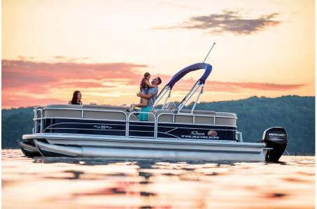 2019 Sun Tracker boat for sale, model of the boat is PARTY BARGE 22 w/ Mercury 115Hp 4S & Image # 10 of 17