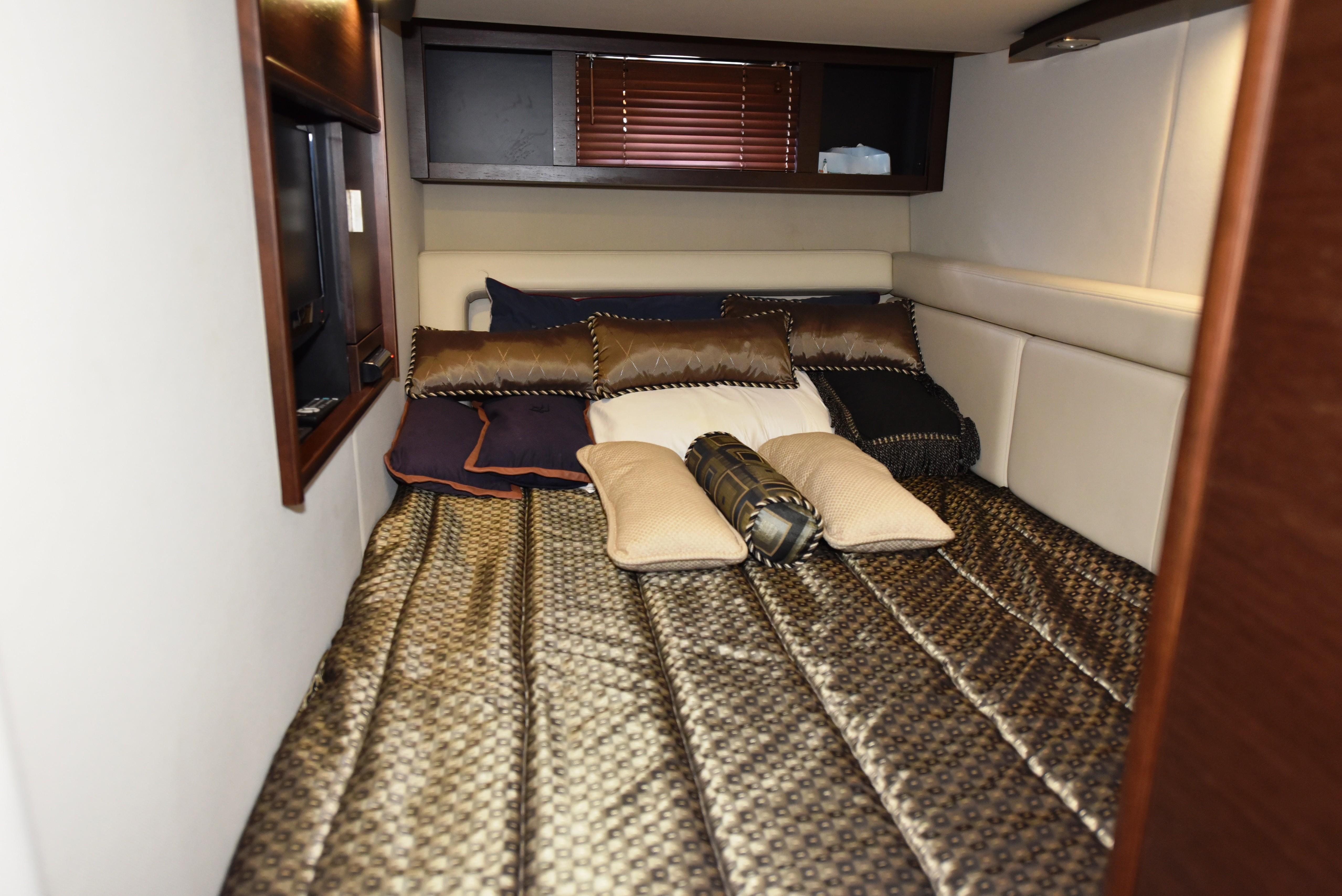 2010 Chaparral 400 Premier - Guest