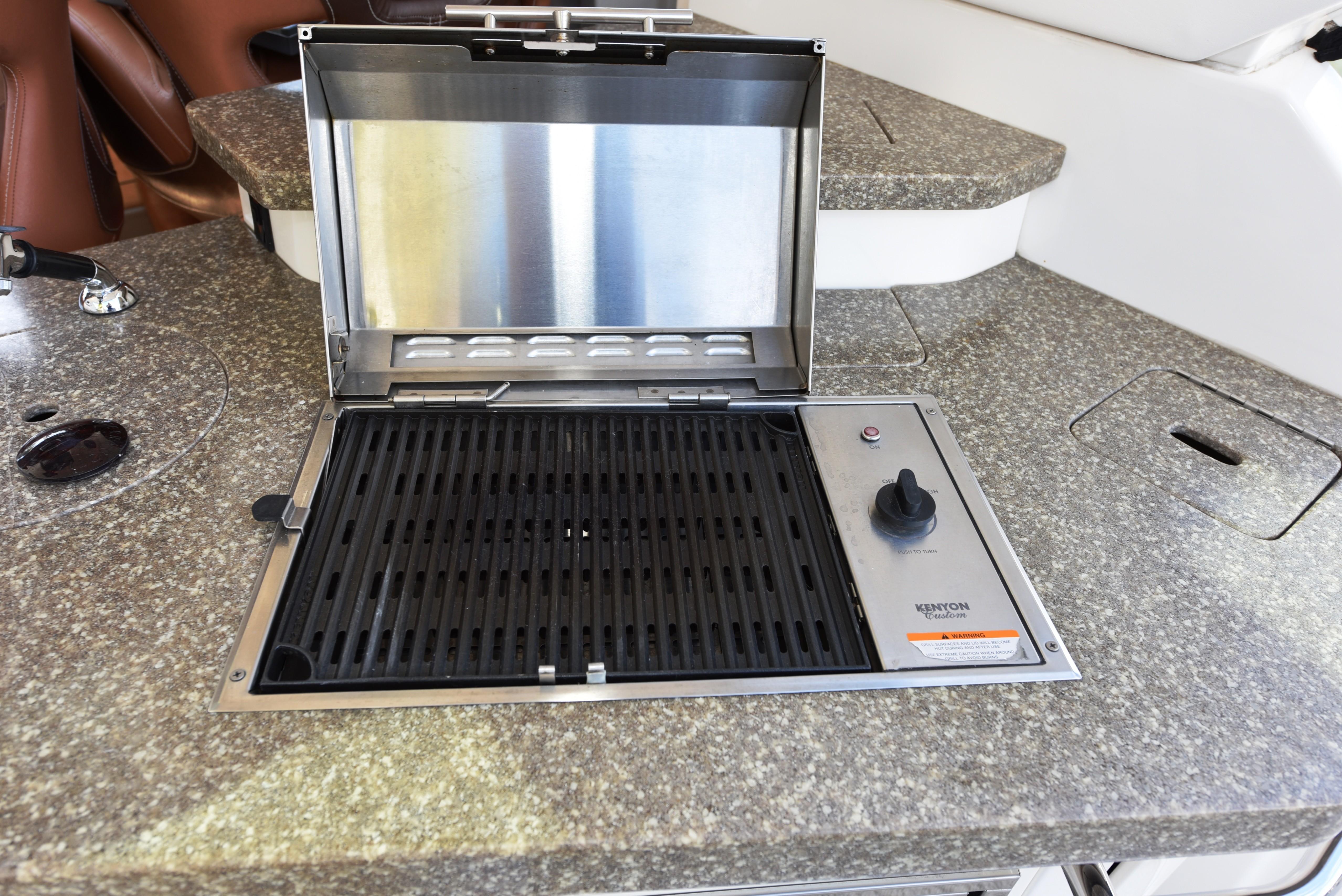 2010 Chaparral 400 Premier - Grill