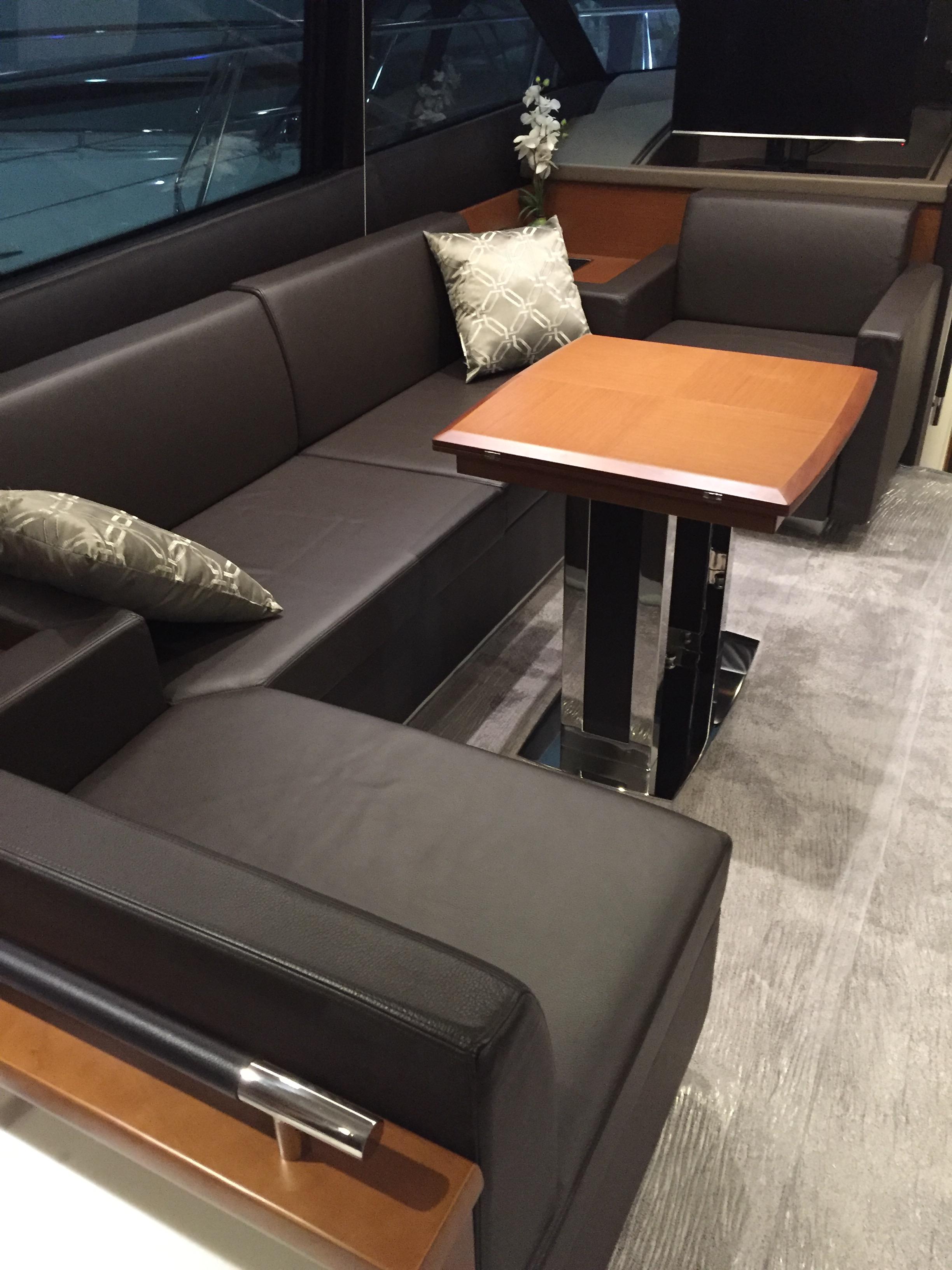 Salon Sofa With Table