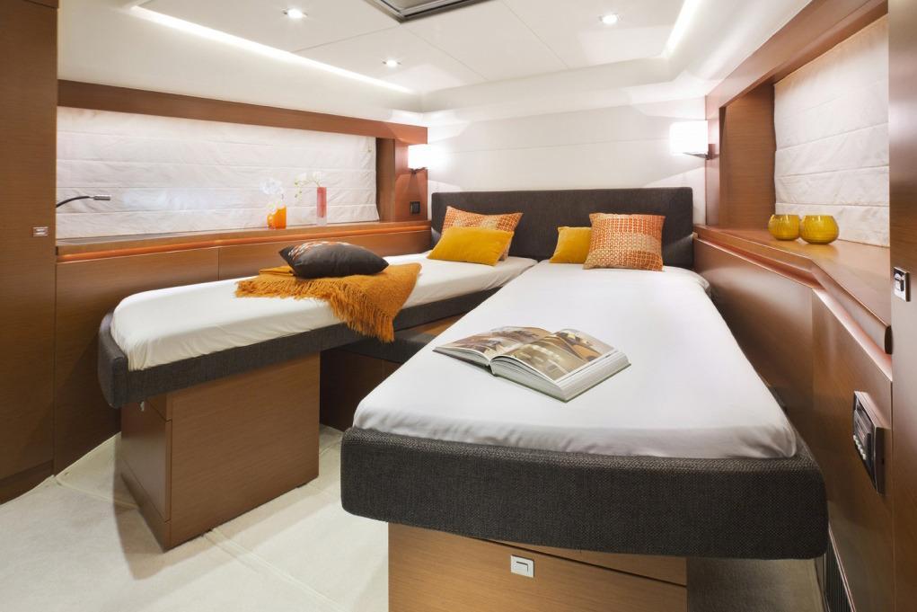 Split Bed Forward Stateroom Option / Catalog Image