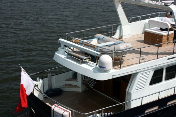 Altena 53 custom stern view