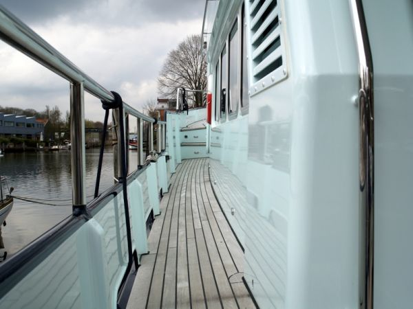 side deck port