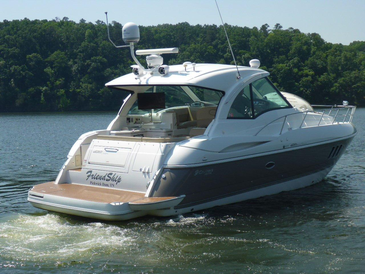 42 Cruisers Yachts 2009 Friendship Pickwick Lake Mississippi