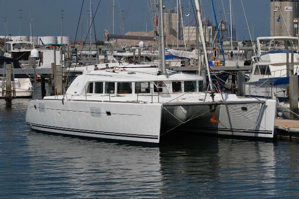 44' Lagoon 2006 440