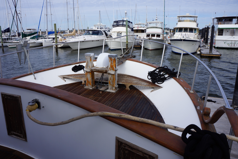 Marine Trader 50 Motoryacht - marine trader 50 bow