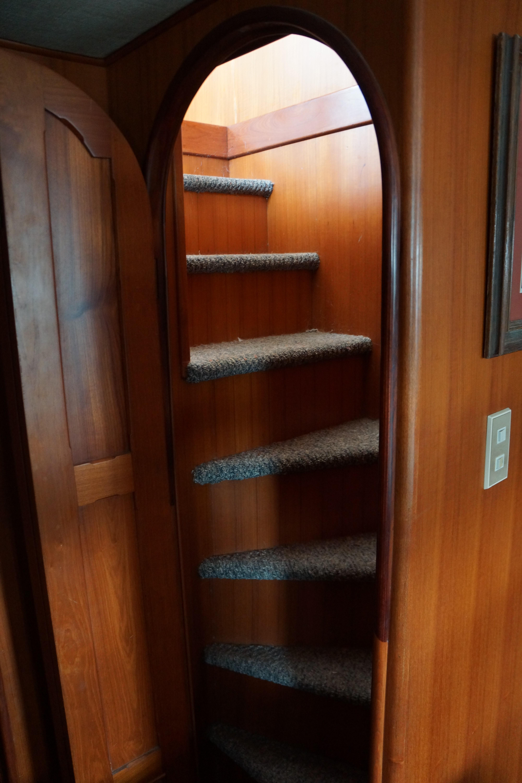 Marine Trader 50 Motoryacht - aft stairs to master stateroom
