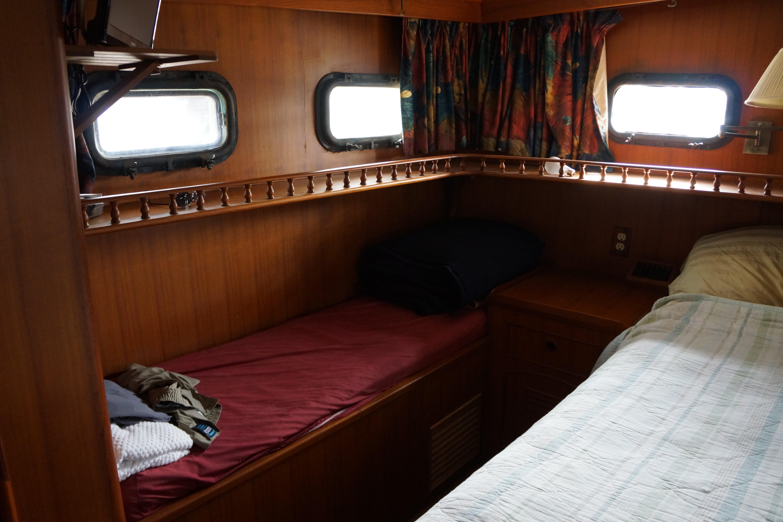 Marine Trader 50 Motoryacht - starboard aft stateroom view