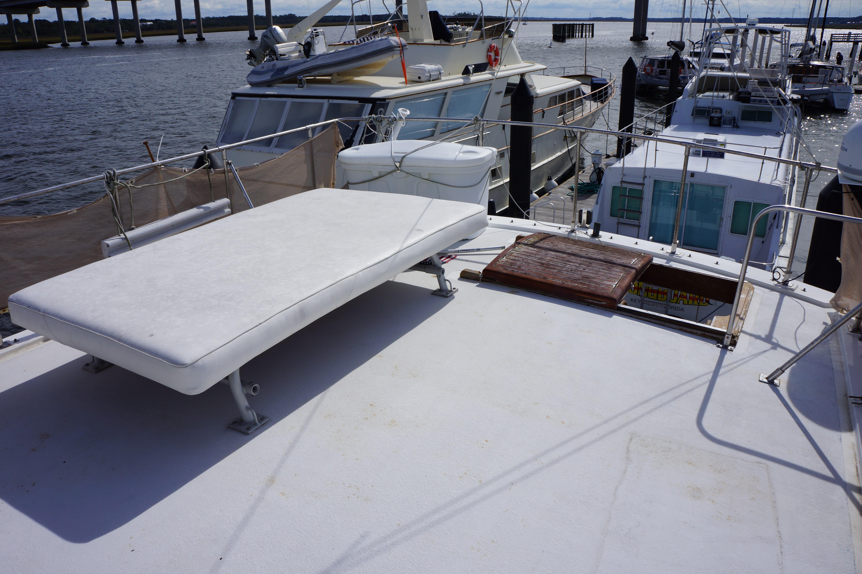 Marine Trader 50 Motoryacht - starboard sun pad on upper deck