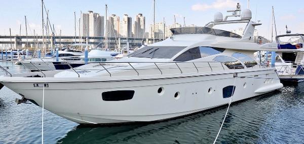 Azimut Yacht 75