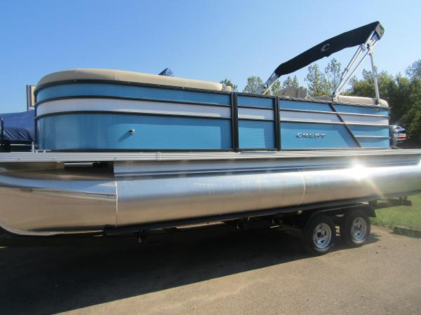 2019 Crest boat for sale, model of the boat is Crest I 220 SLC & Image # 2 of 11