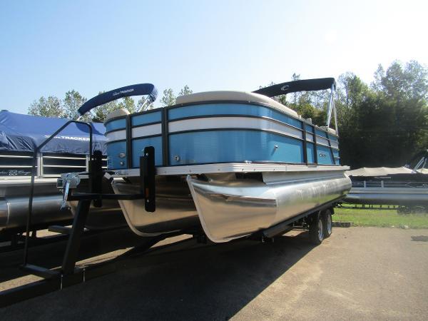 2019 Crest boat for sale, model of the boat is Crest I 220 SLC & Image # 3 of 11