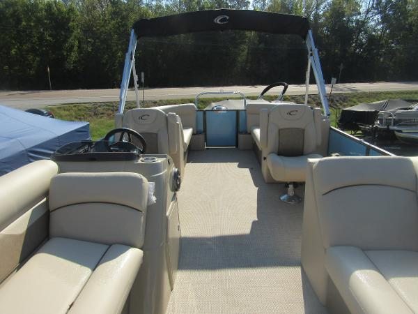 2019 Crest boat for sale, model of the boat is Crest I 220 SLC & Image # 4 of 11