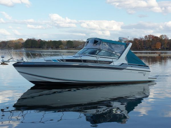 Formula 29 PC Express Cruiser. Listing Number: M-3791497 29' Formula 29 PC