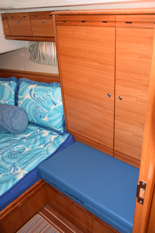 Port Aft Cabin Seating & Locker