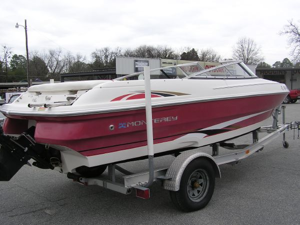 2003 Monterey 180 Edge For Sale