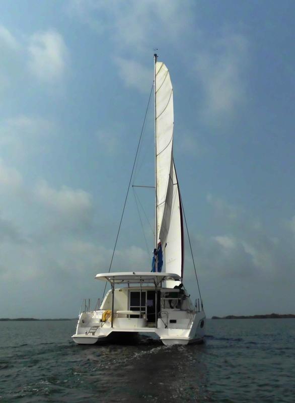 AGATHE stern under sail