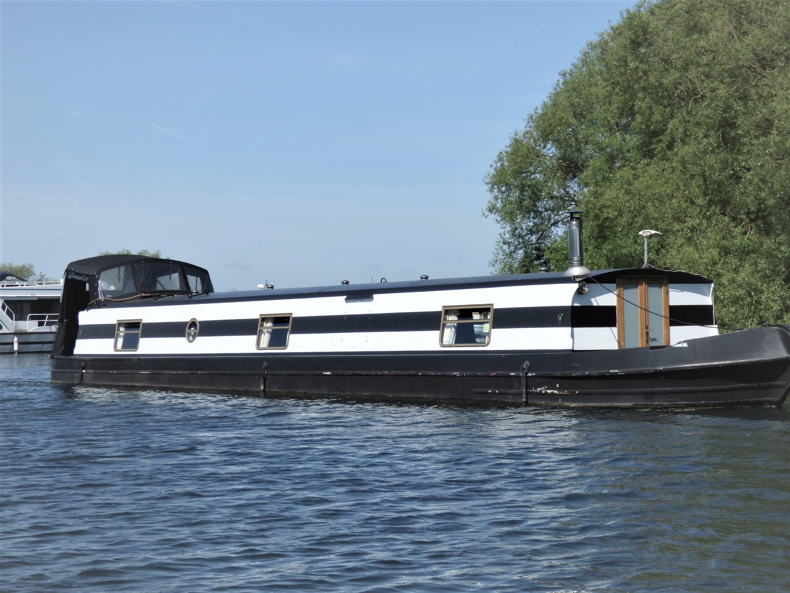 Wide Beam Narrowboat 60 x 10 Aqualine
