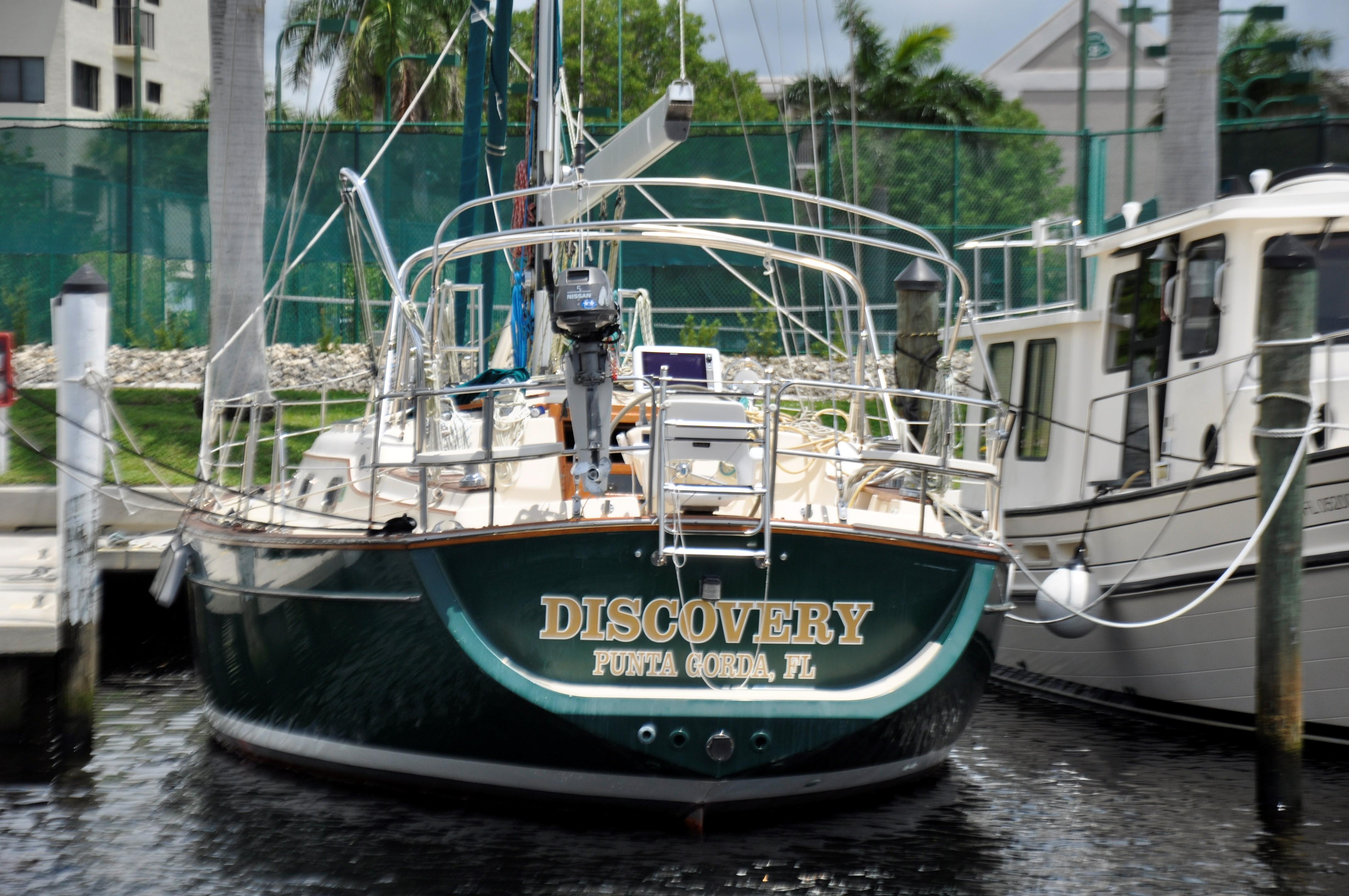 DISCOVERY transom