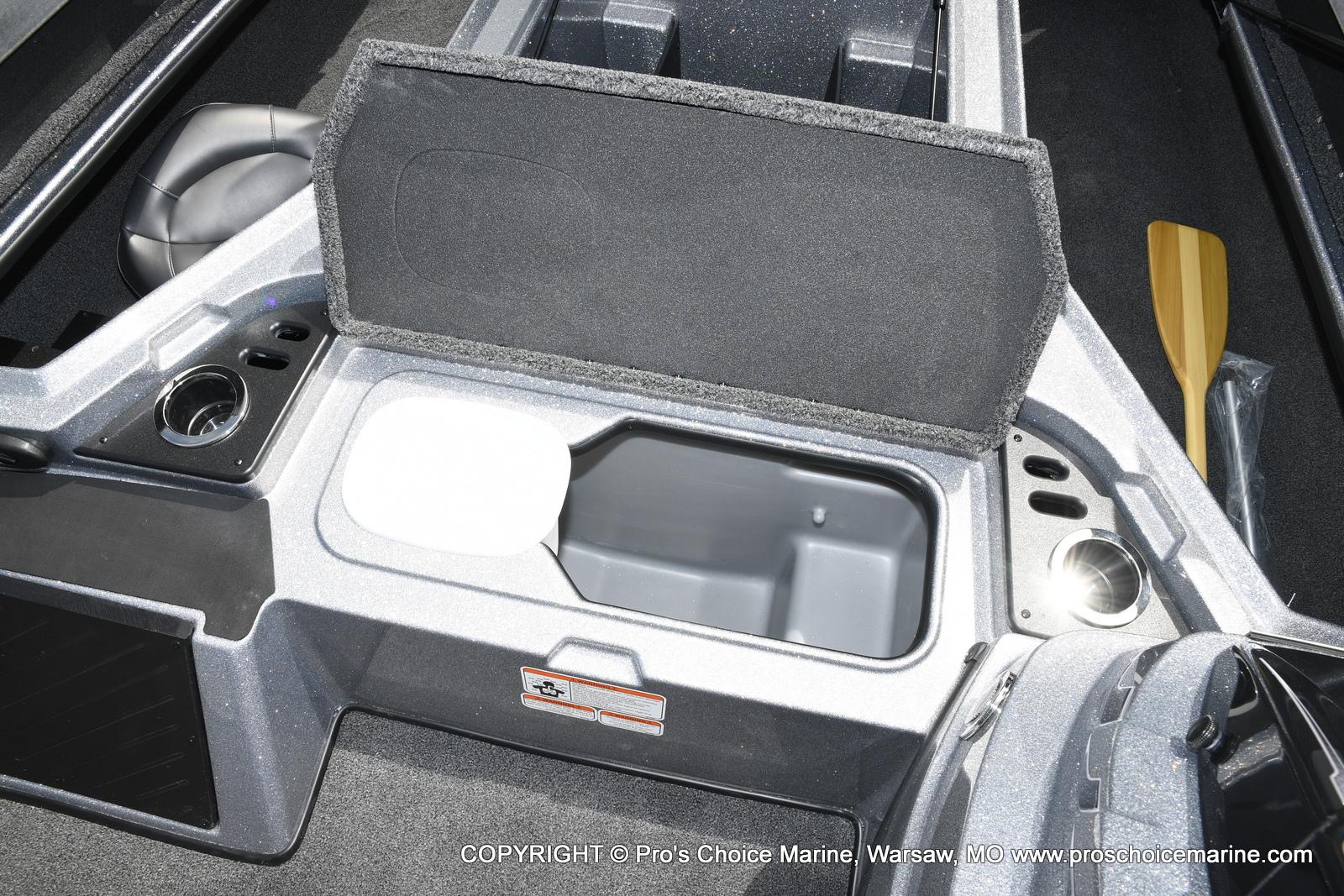 2021 Nitro boat for sale, model of the boat is Z18 & Image # 10 of 50