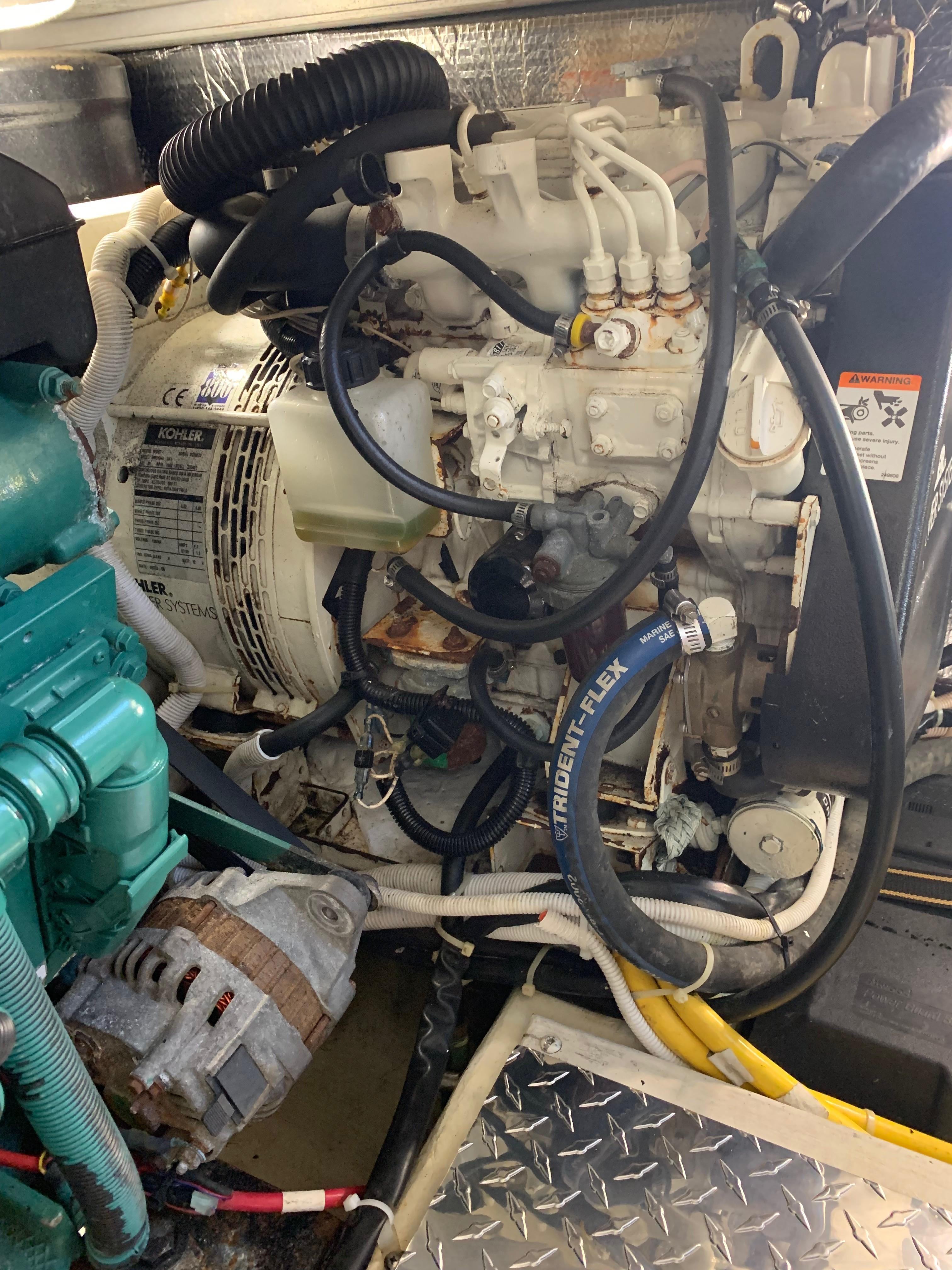 Carver 36 Motor Yacht - Generator (600 hrs)