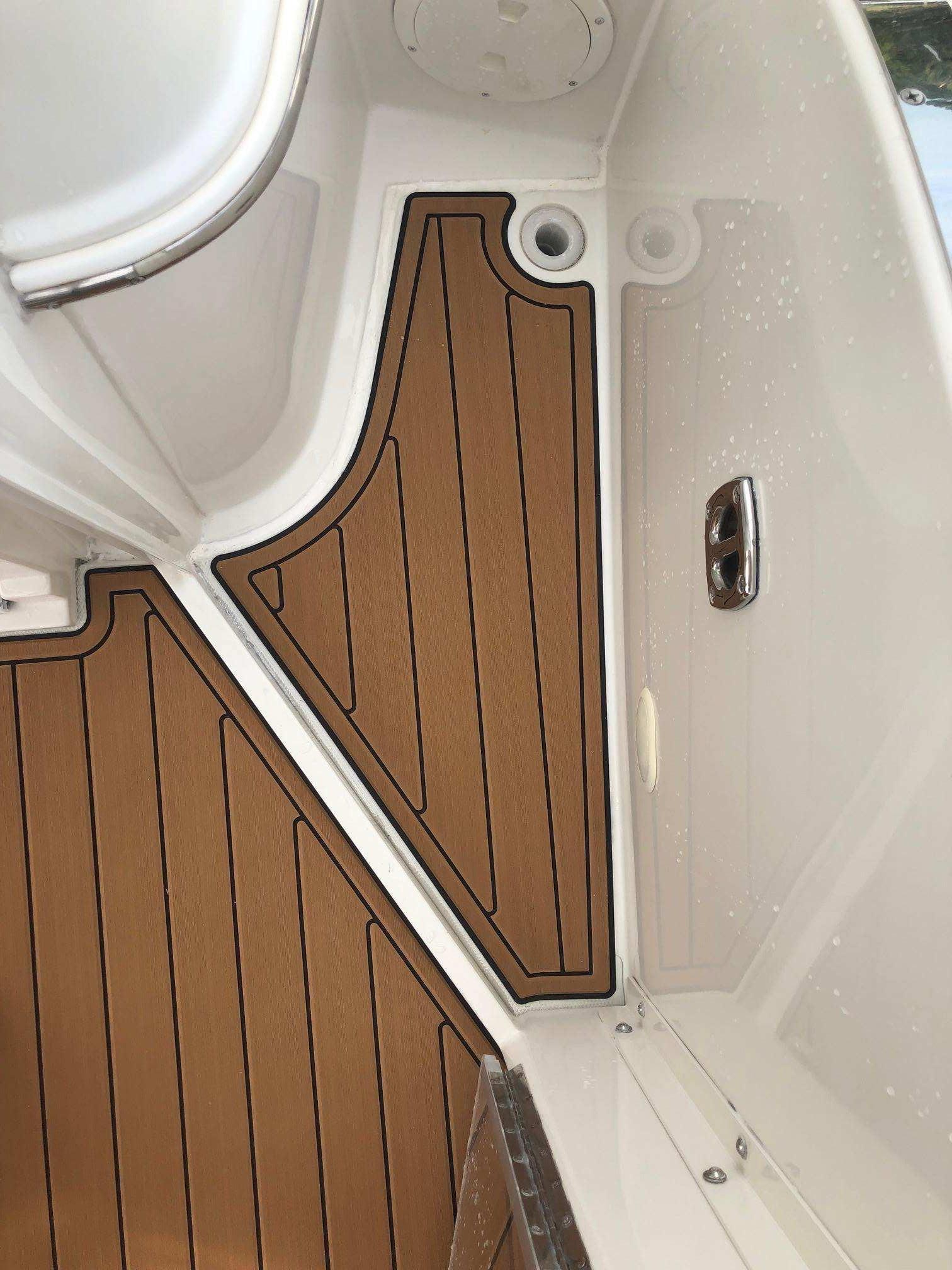 Carver 36 Motor Yacht - Seadek