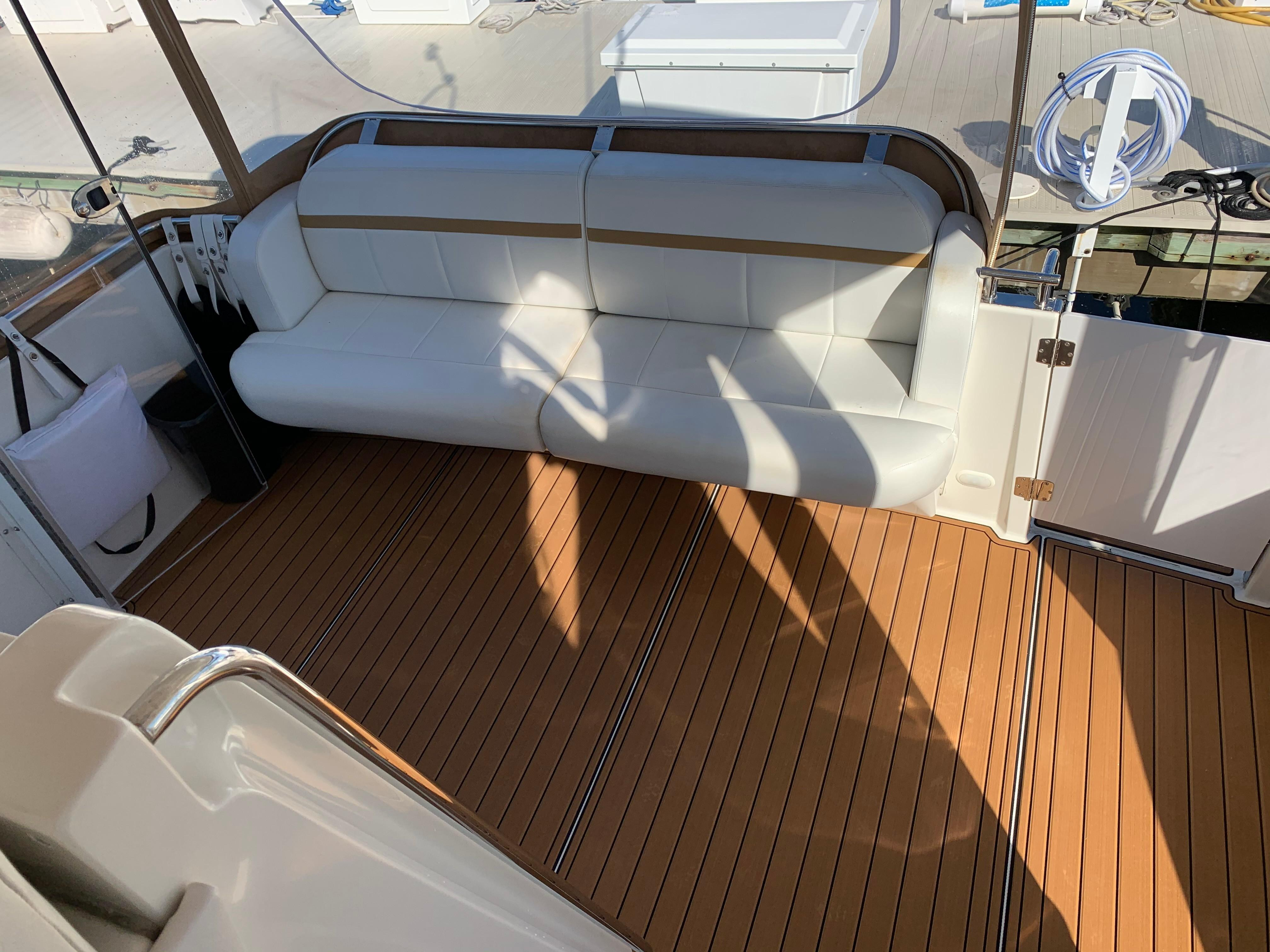 Carver 36 Motor Yacht - Photo: #24