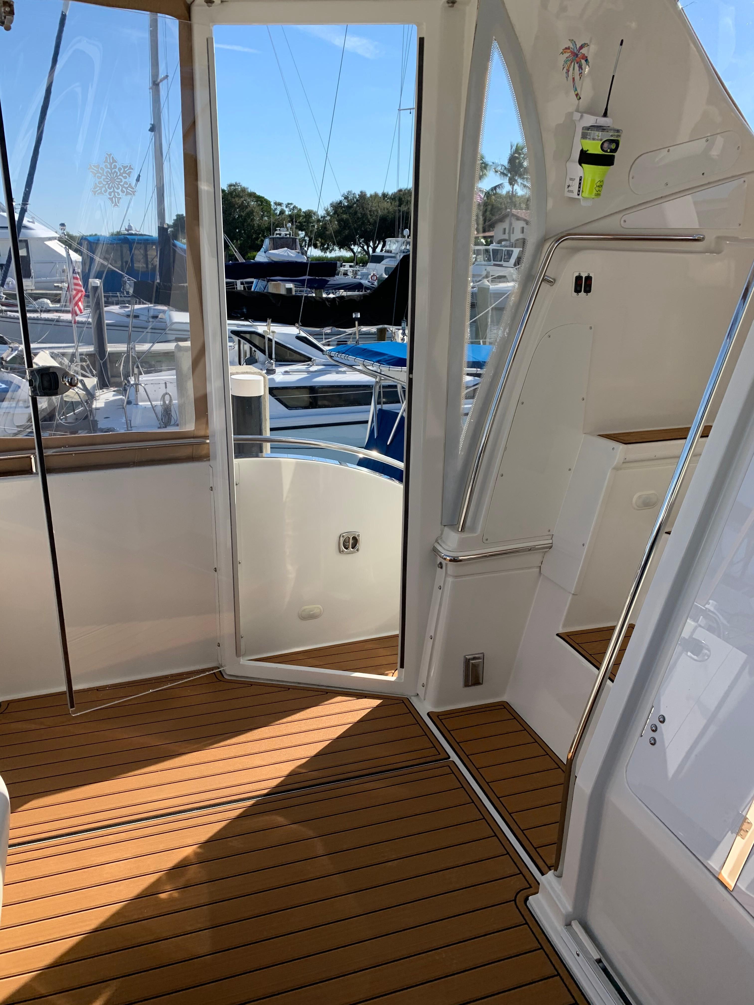 Carver 36 Motor Yacht - Photo: #25