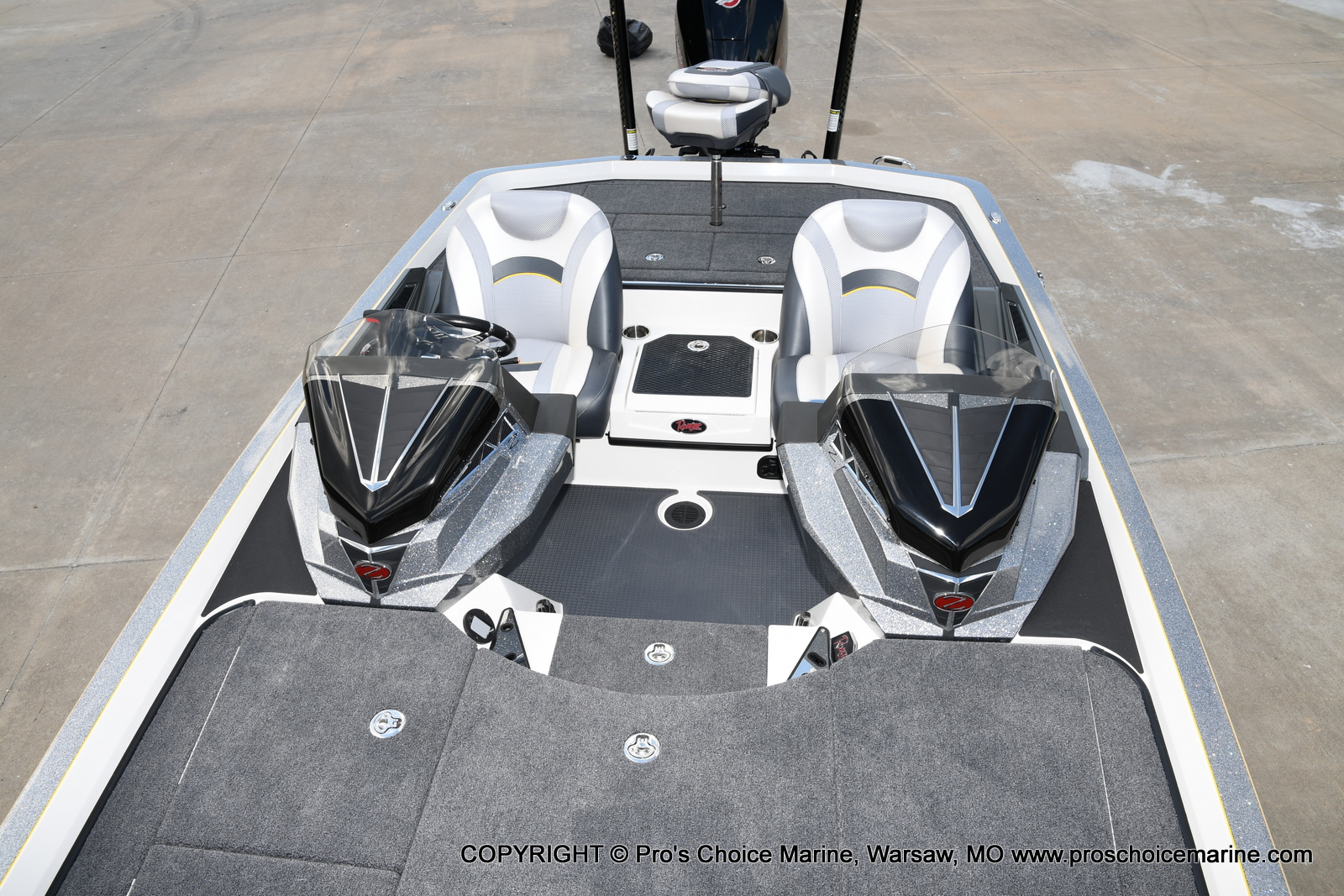 2021 Ranger Boats boat for sale, model of the boat is Z520L Cup Equipped DUAL CONSOLE & Image # 34 of 50