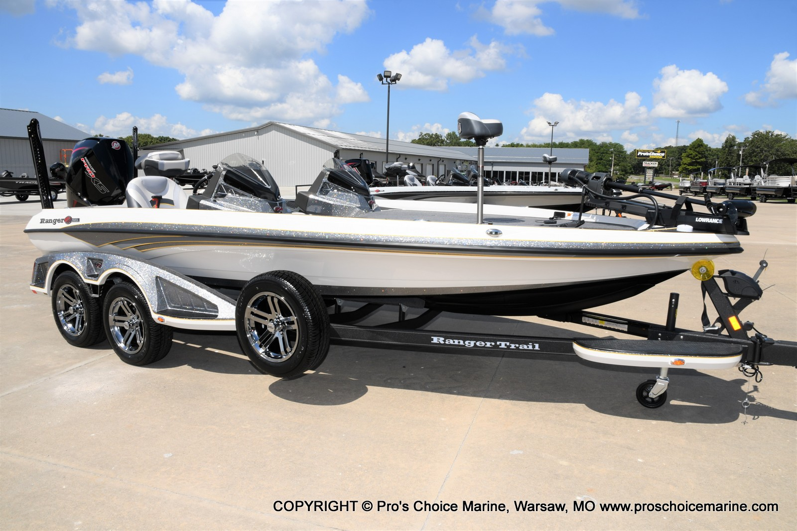 2021 Ranger Boats boat for sale, model of the boat is Z520L Cup Equipped DUAL CONSOLE & Image # 1 of 50