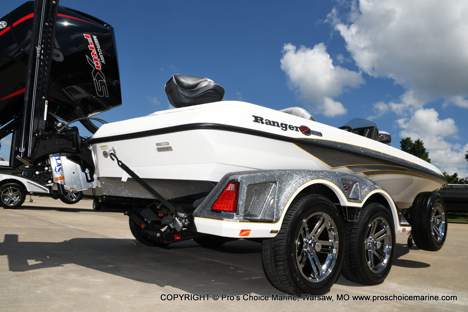 2021 Ranger Boats boat for sale, model of the boat is Z520L Cup Equipped DUAL CONSOLE & Image # 16 of 50