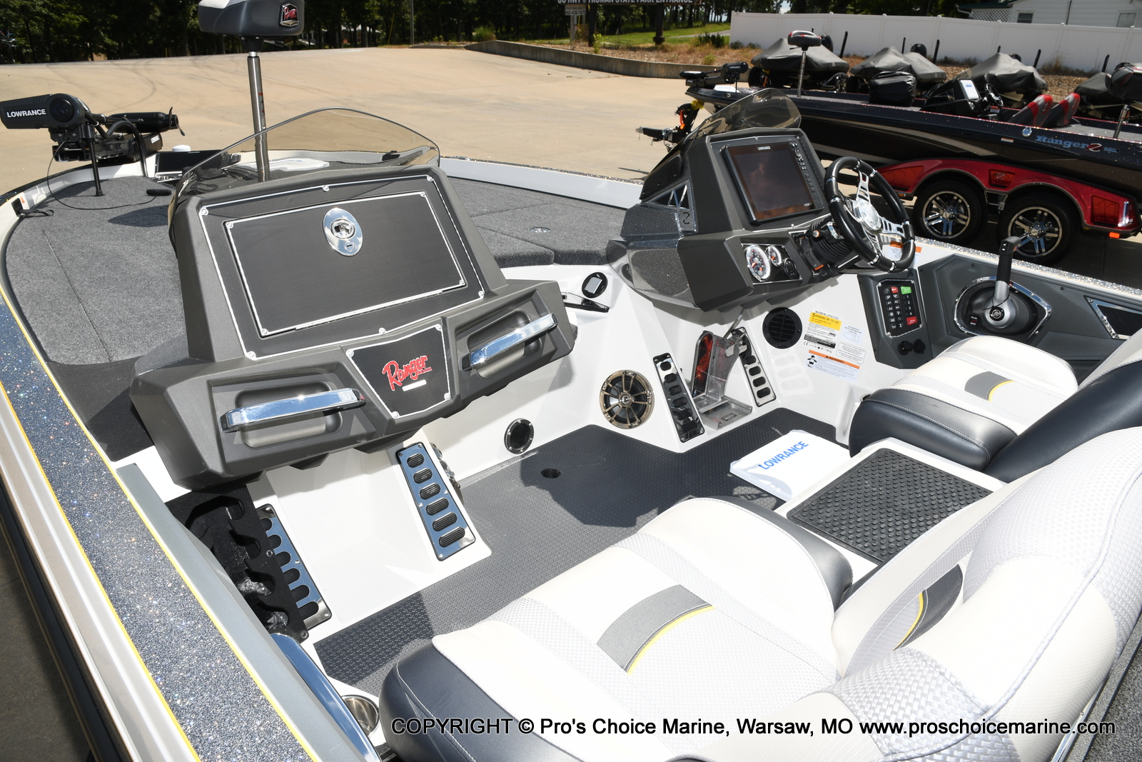 2021 Ranger Boats boat for sale, model of the boat is Z520L Cup Equipped DUAL CONSOLE & Image # 30 of 50