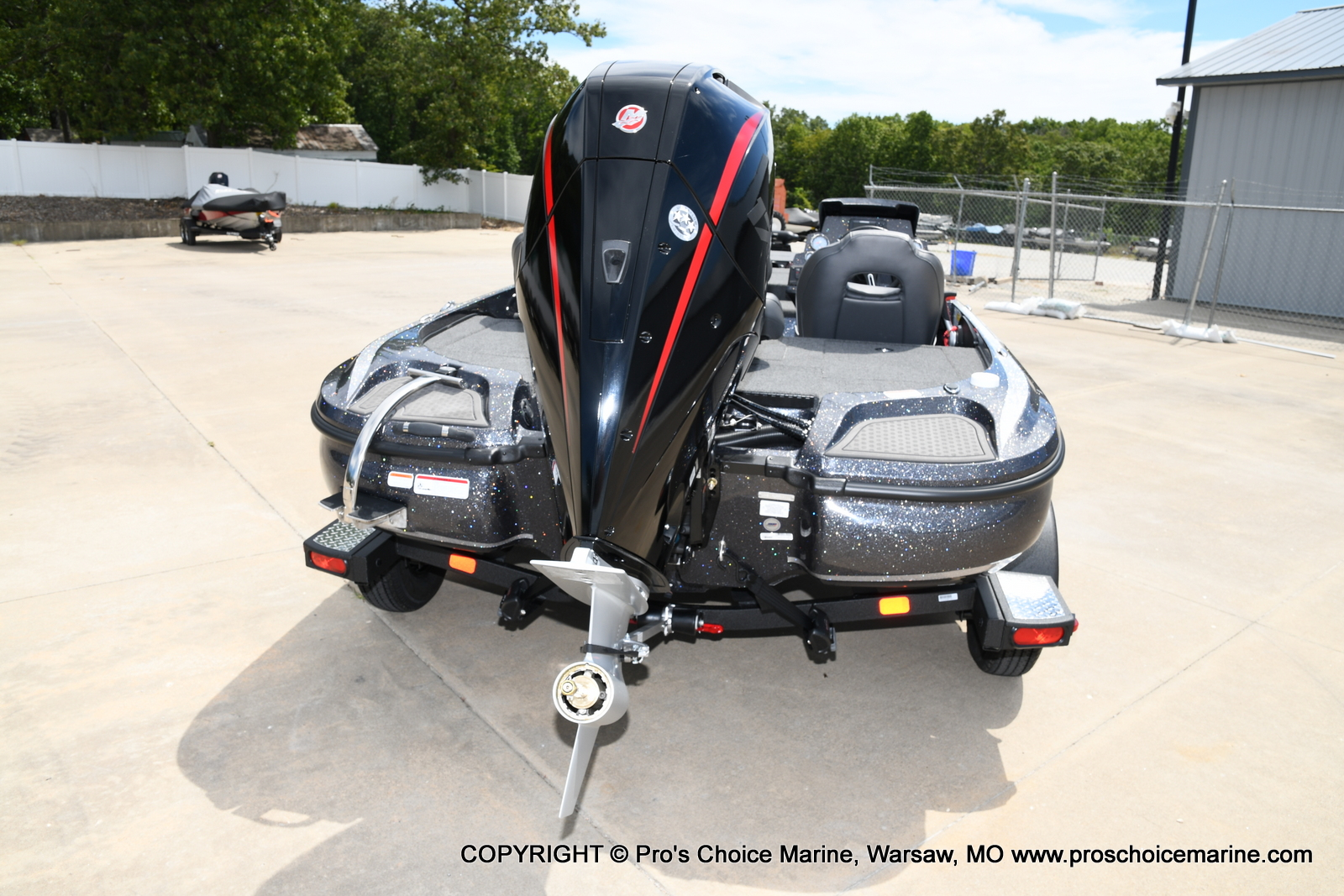 2021 Nitro boat for sale, model of the boat is Z18 w/175HP Pro-XS & Image # 38 of 50