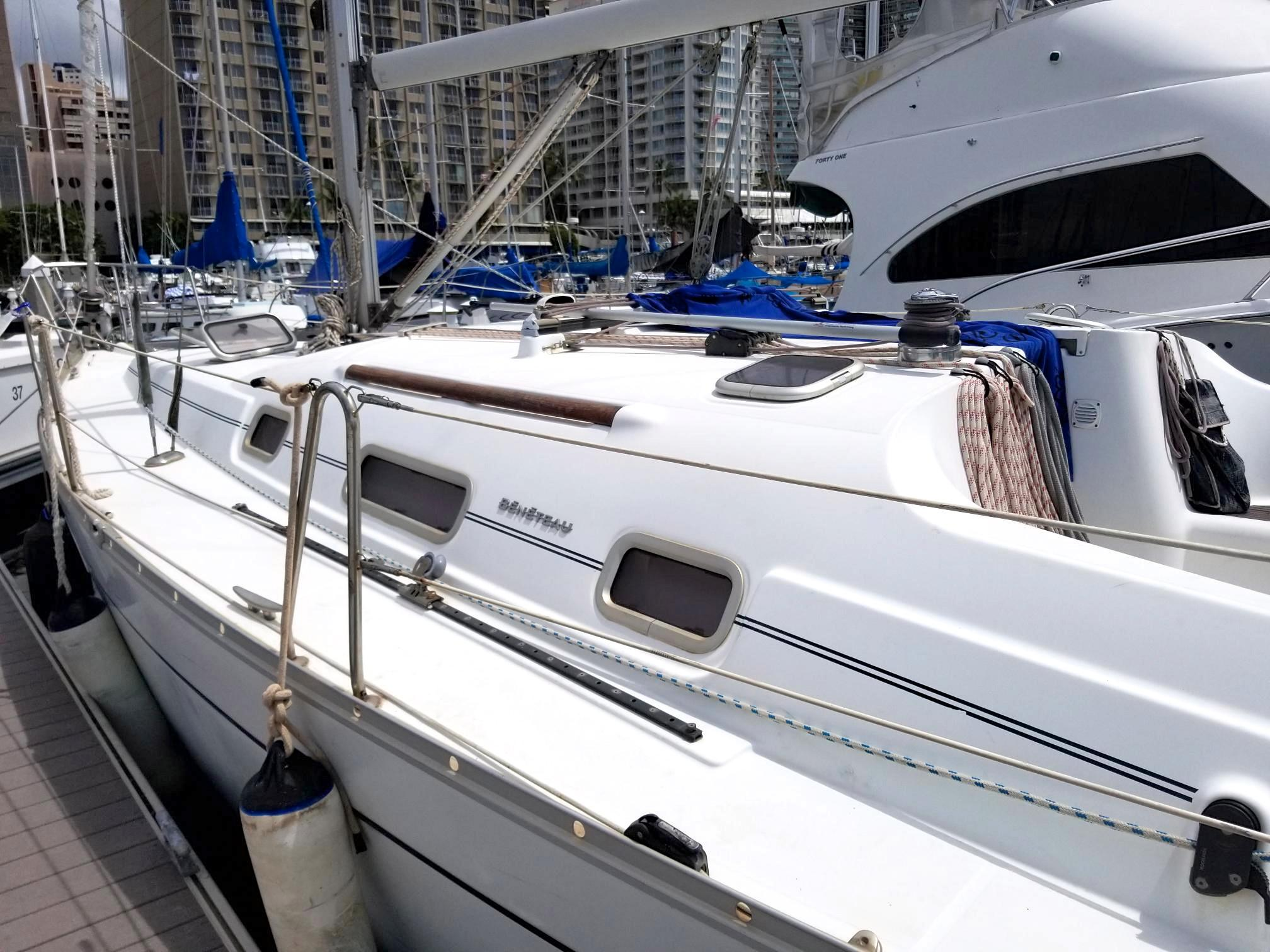 34 Beneteau Winchaser 2007 Honolulu | Denison Yacht Sales