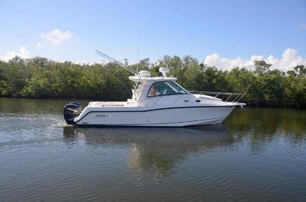 2008 34' Boston Whaler 345 Conquest