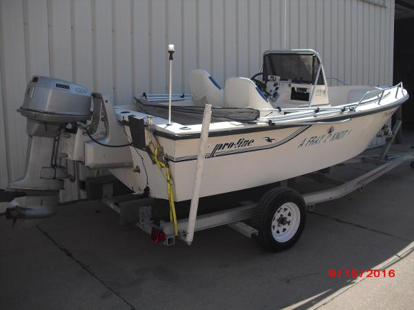 1986 PROLINE boat for sale, model of the boat is 17' CENTER CONSOLE & Image # 3 of 31