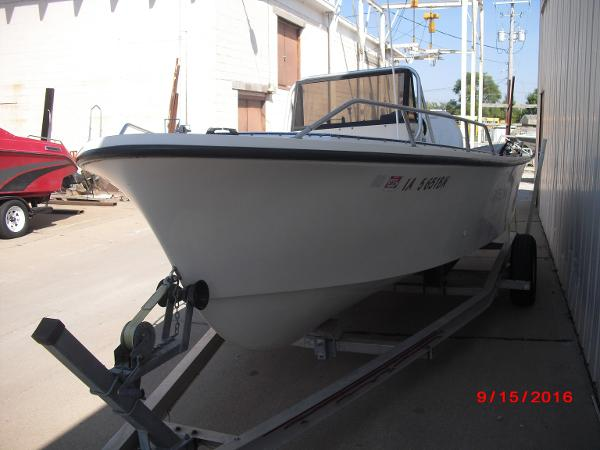 1986 PROLINE boat for sale, model of the boat is 17' CENTER CONSOLE & Image # 8 of 31