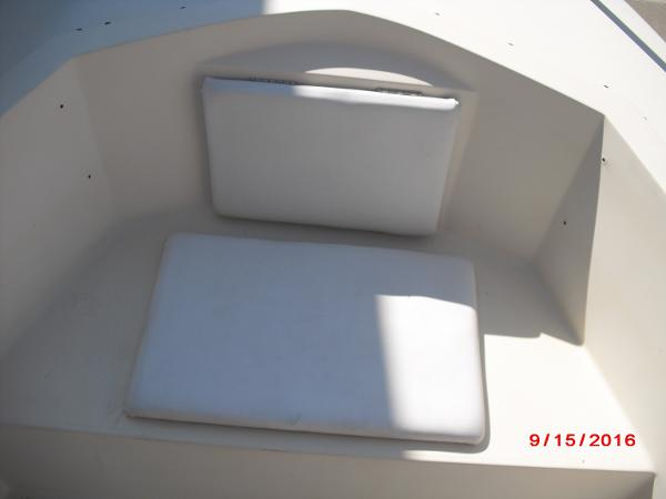 1986 PROLINE boat for sale, model of the boat is 17' CENTER CONSOLE & Image # 9 of 31