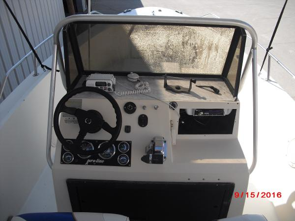 1986 PROLINE boat for sale, model of the boat is 17' CENTER CONSOLE & Image # 14 of 31