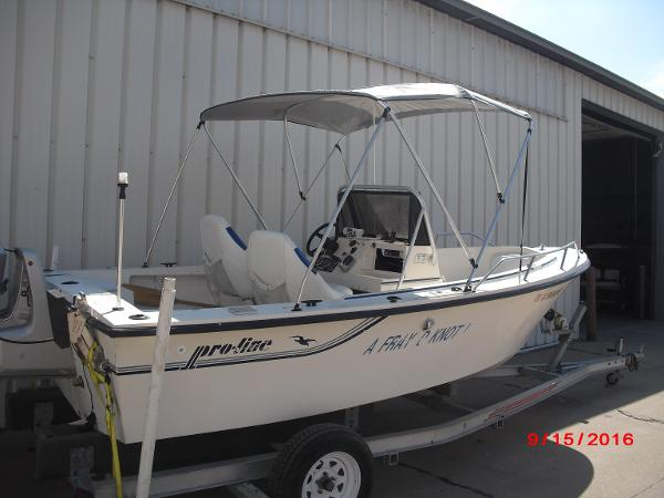 1986 PROLINE boat for sale, model of the boat is 17' CENTER CONSOLE & Image # 21 of 31