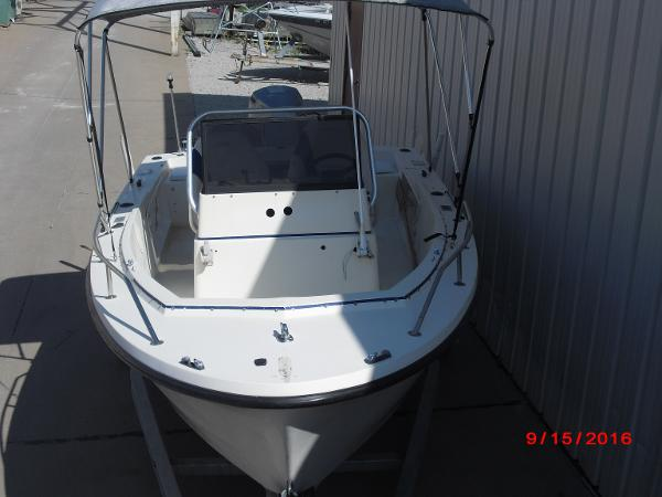1986 PROLINE boat for sale, model of the boat is 17' CENTER CONSOLE & Image # 25 of 31