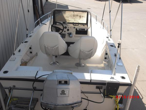 1986 PROLINE boat for sale, model of the boat is 17' CENTER CONSOLE & Image # 26 of 31