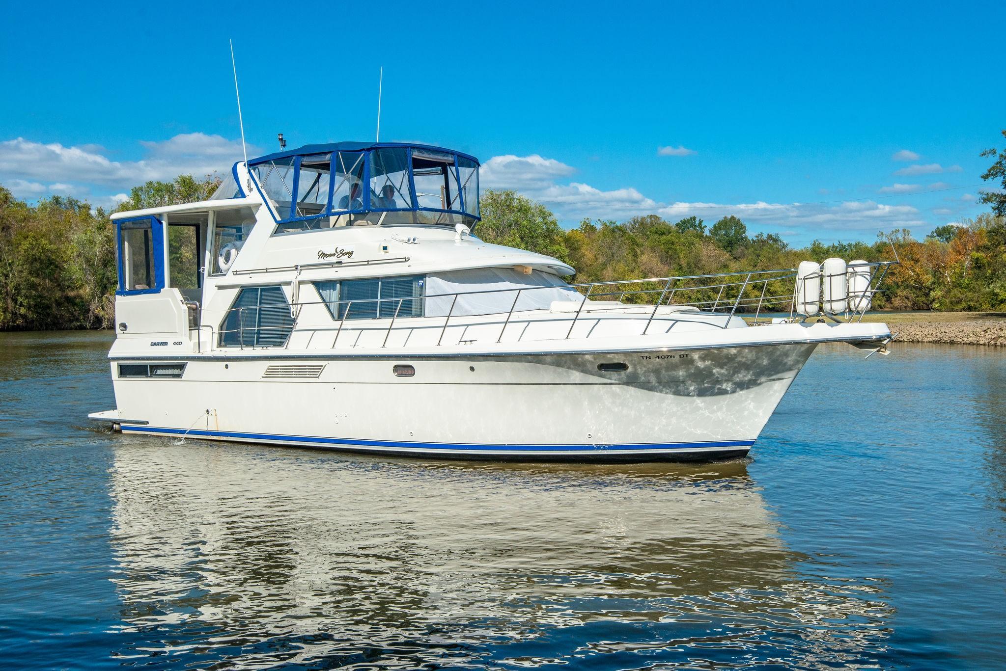 44 Carver 1994 Nashville Denison Yacht Sales