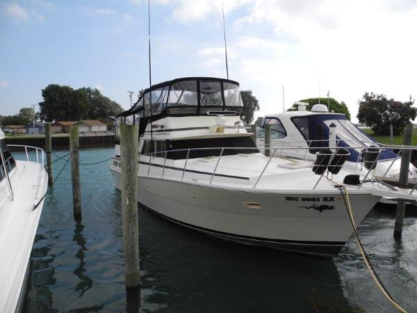 1979 viking 43 39 double cabin for sale for Viking 43 double cabin motor yacht