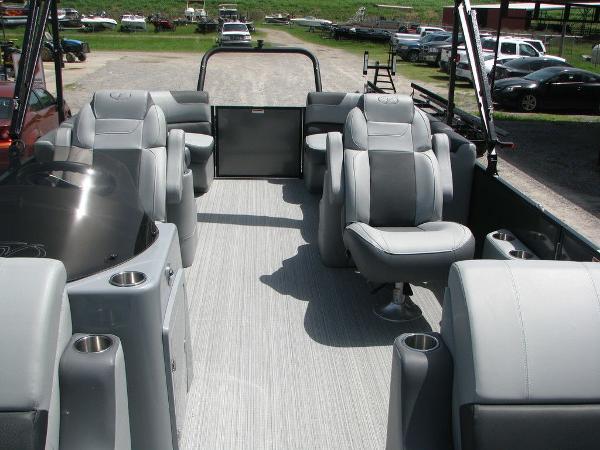 2020 Veranda boat for sale, model of the boat is VR2275RC Base & Image # 6 of 19